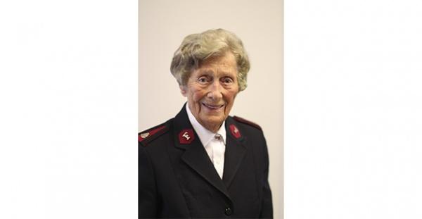 Major Ruth Holberg er forfremmet til herligheten i en alder av 96 år.