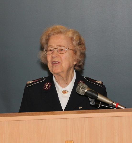 Kommandør Anna Hannevik på talerstolen